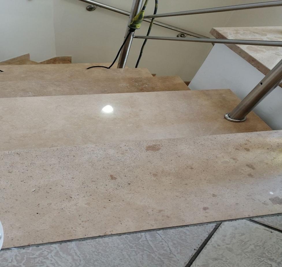 márványcsiszolás lépcső