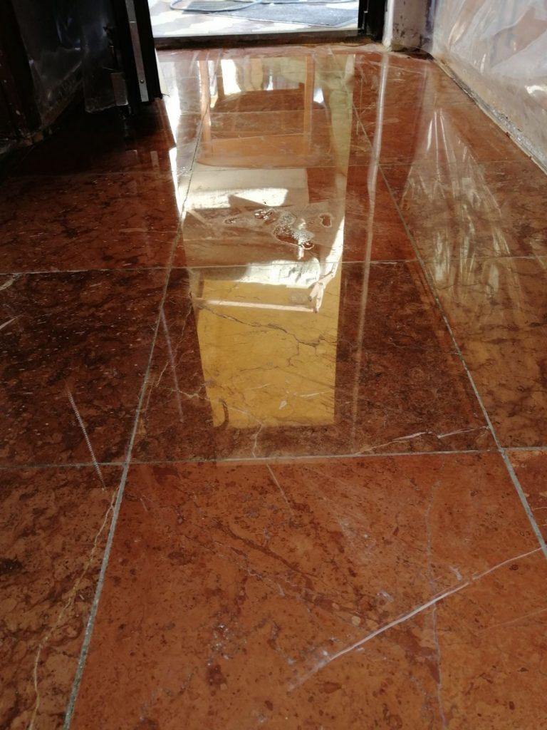 Tardosi mészkő padlóburkolat